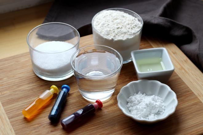 Recette - Pâte à modeler comestible en pas à pas | Recette | Faire de la pâte à modeler, Pâte à ...