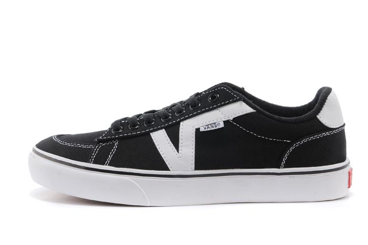 db2d4778ccbe Vans Authentic Lite Skate Unisex Black SHOE  Vans