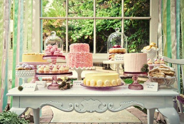 Desserttisch für die Hochzeitsfeier