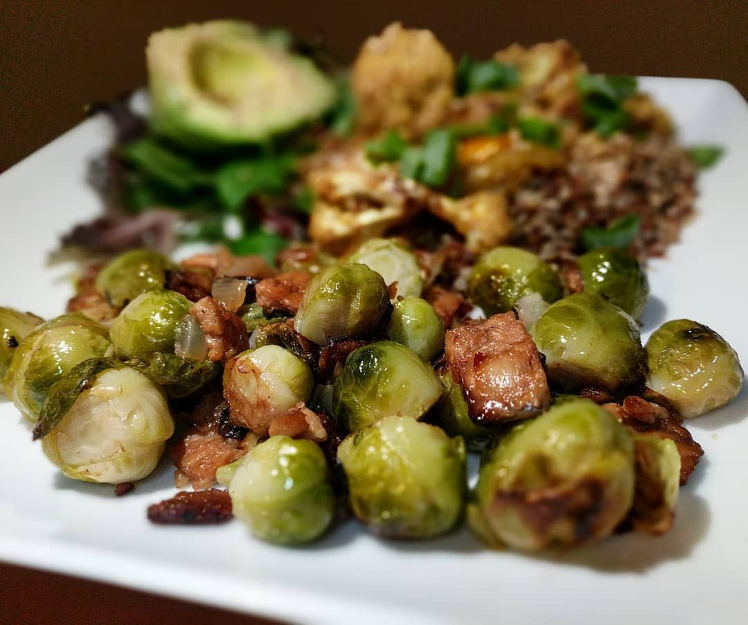 Sauteed Brussel Sprouts with Onions & Tempeh!  Greens with Tahini Dressing. Avocado with Hemp Seeds. Quinoa with Cauliflower & Scallions. ❤️