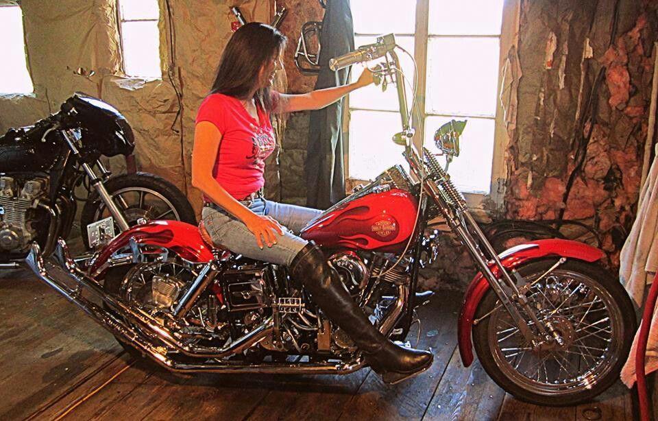 d2779163b Pin by Oxgxoxbcowboy on Biker Girls | Biker girl, Chicks on bikes ...