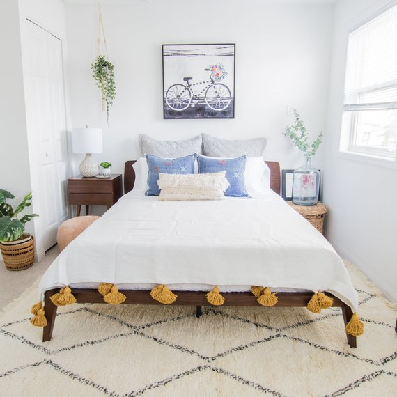 Moroccan Pompom Blanket Moroccan Blanket Moroccan Throw Blanket Pom Poms Boho Blanket Bed Cover White With Mustard Yellow Pompoms 2 Pillows Moroccan Bed Bed Covers White Pillows