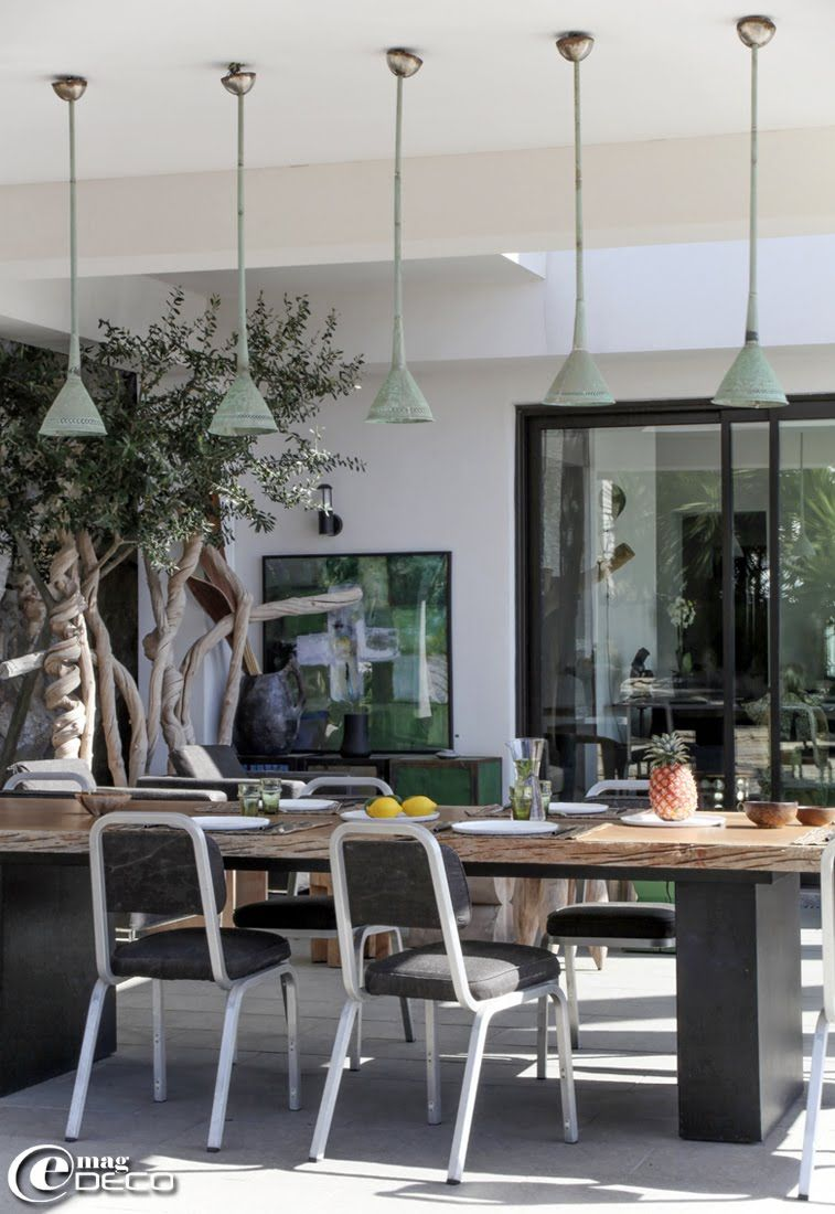 a exceptional guest house in cassis overlooking the sea a report of the magazine of decoration e magdeco