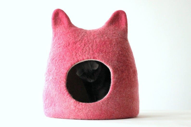 Cat shaped cat bed in pink. Gift for cat lovers. Wool cat bed. Valentines gift love