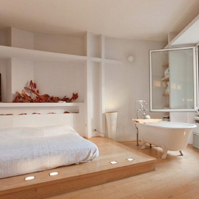A Bathtub In The Bedroom Heaven Bedroom With Bath Bedroom
