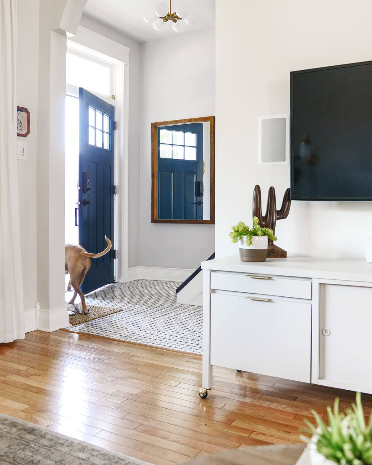 11 Fun And Classy Entryway Mirror Ideas To Brighten Your Home Entryway Mirror Diy Mirror Entry Furniture