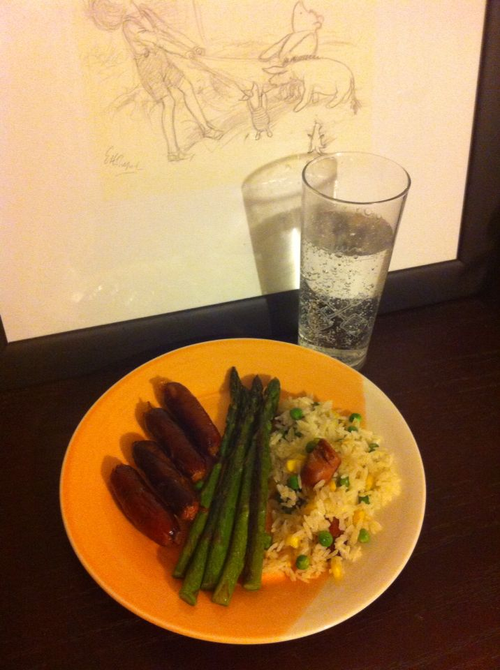 Cheap meal - chorizo, asparagus with chorizo rice.