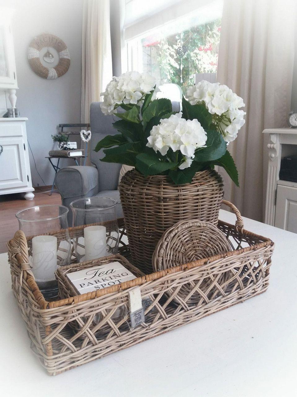 42 Tutorial Best 201 Beautiful Coffee Table Decor Tray 2020 In 2020 Tafeldecoraties Woonkamer Decoratie Mand Decoratie