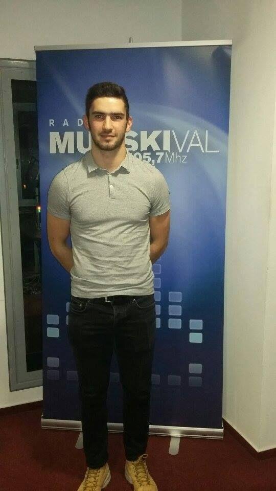 Gost Nine Goričanec v Mladen valu je dijak Gimnazije Murska Sobota Nino Celec, ki je državni prvak v skoku v daljino.