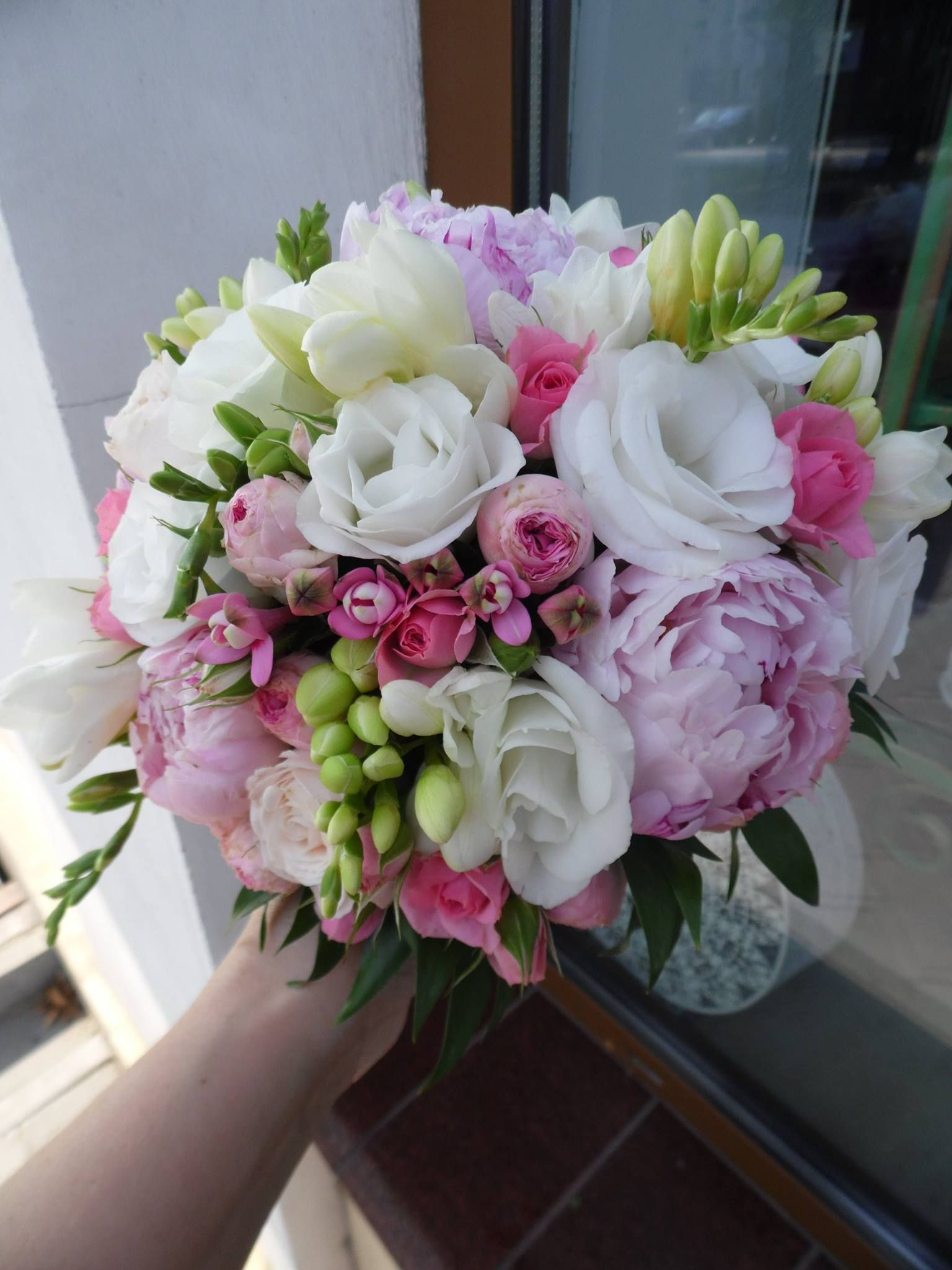 Pin by karola on wedding flower2 pinterest wedding bouquets small wedding bouquets flower bouquet wedding flower bouquets bridal bouquets country wedding izmirmasajfo