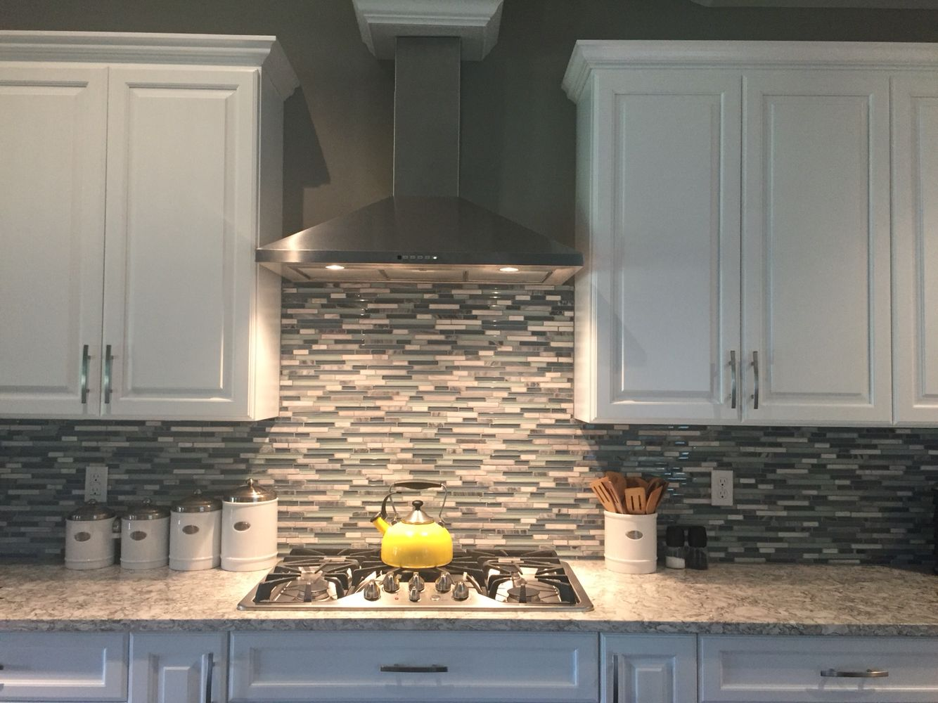 Best Functional Gray By Sherwin Williams Waterfall Bliss 640 x 480
