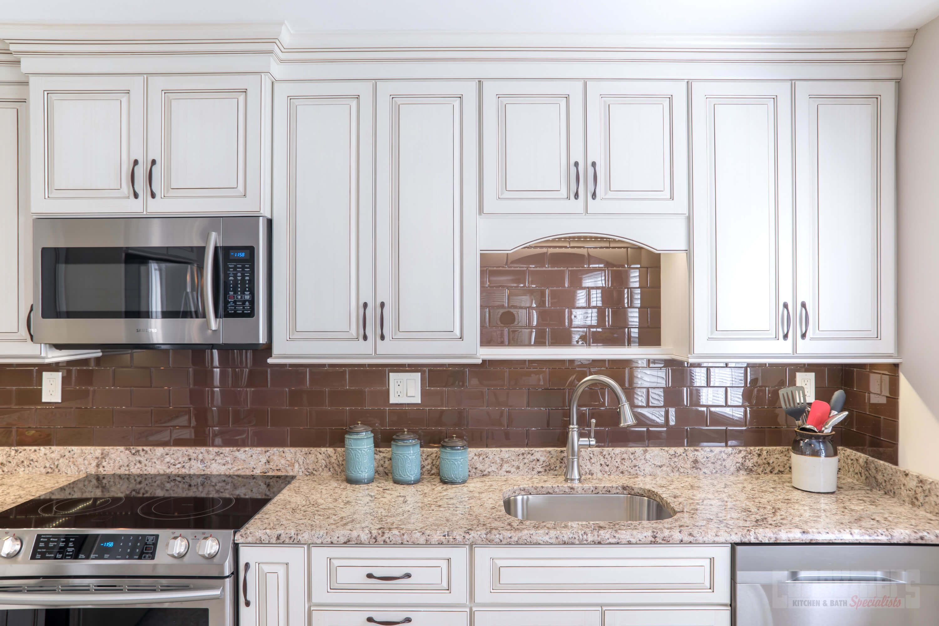 Delicieux Pin By Consumers Kitchens U0026 Baths On Radiant Ridge | Pinterest | Granite  Countertop, Long Island Ny And Custom Cabinets