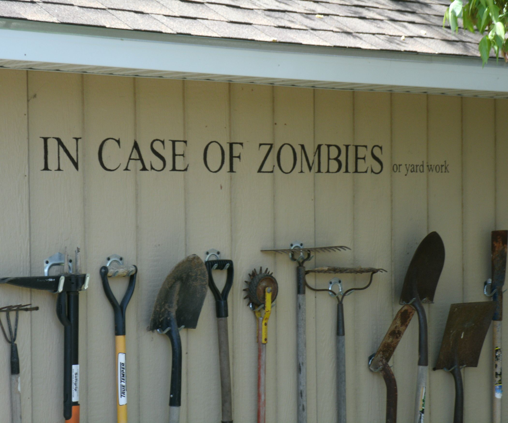 Storing garden tools with style aka zombiewall gardens for Garden tool maintenance