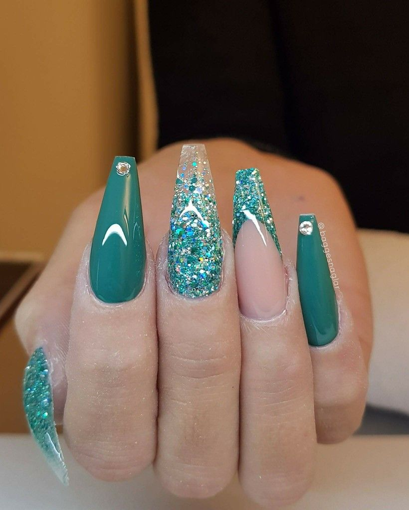Beautiful colour with the glitter. | Nails | Pinterest | Pedicure ...