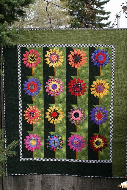 felix forts bee quilting at mural quilts st black quilt threads sunflower arles fort of s