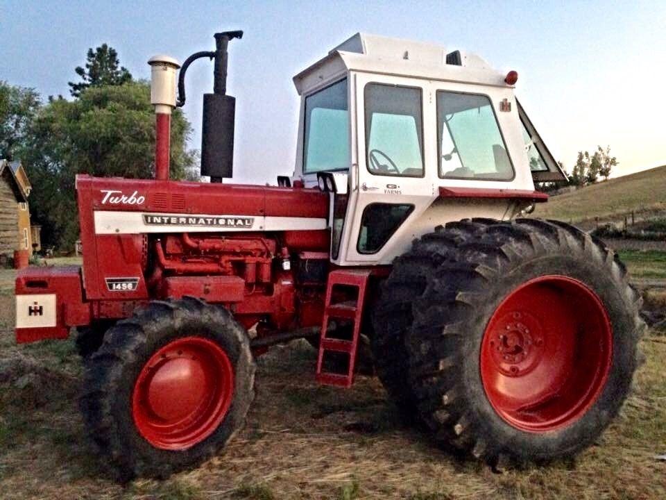 130hp International 1086 IH 1086   International tractors