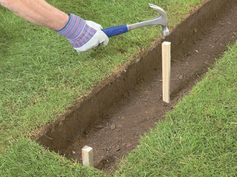How to Build a Brick Garden Wall Brick garden, Brick