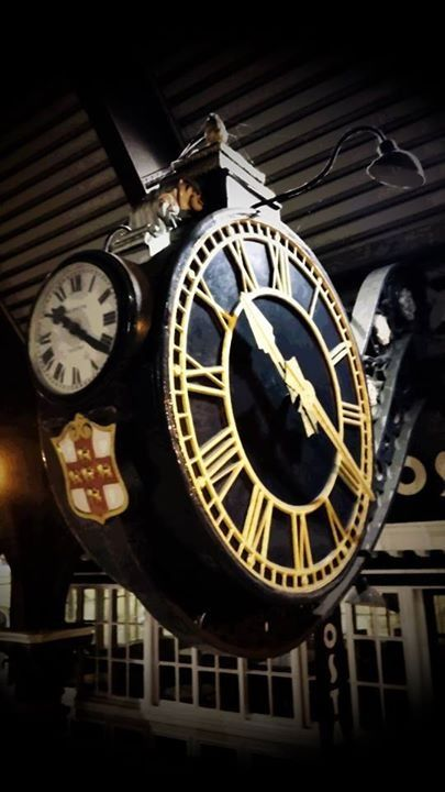 York Station Clock   Antique clocks, Vintage timepiece, Small art