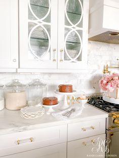 Decadent Chocolate Cake Recipe #chocolatecake #cakerecipe #bestcakerecipe #kitchendesign #marlecountertop #chocolate #fathersdaycelebration #fathersdayidea #springcelebration #spring #homedecor #whitekitchen #chocolatelover