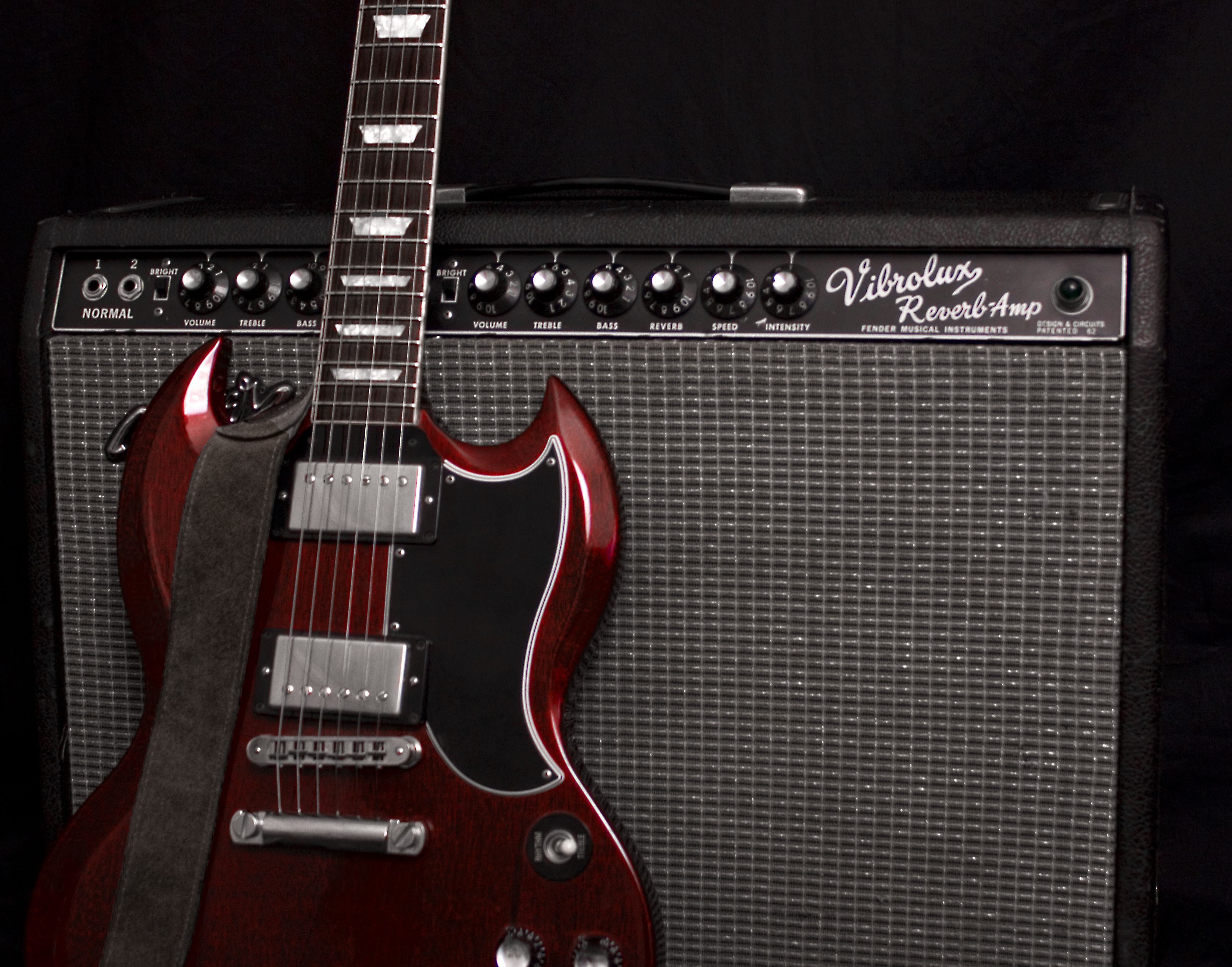Image for Fender Vibrolux Reverb With Gibson SG | Thứ cần ...