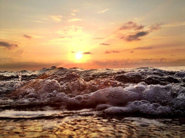 Gentle waves, shorewise