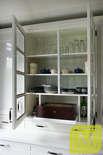 Ingebouwde servieskast in landelijke keuken #mint #interieur ...