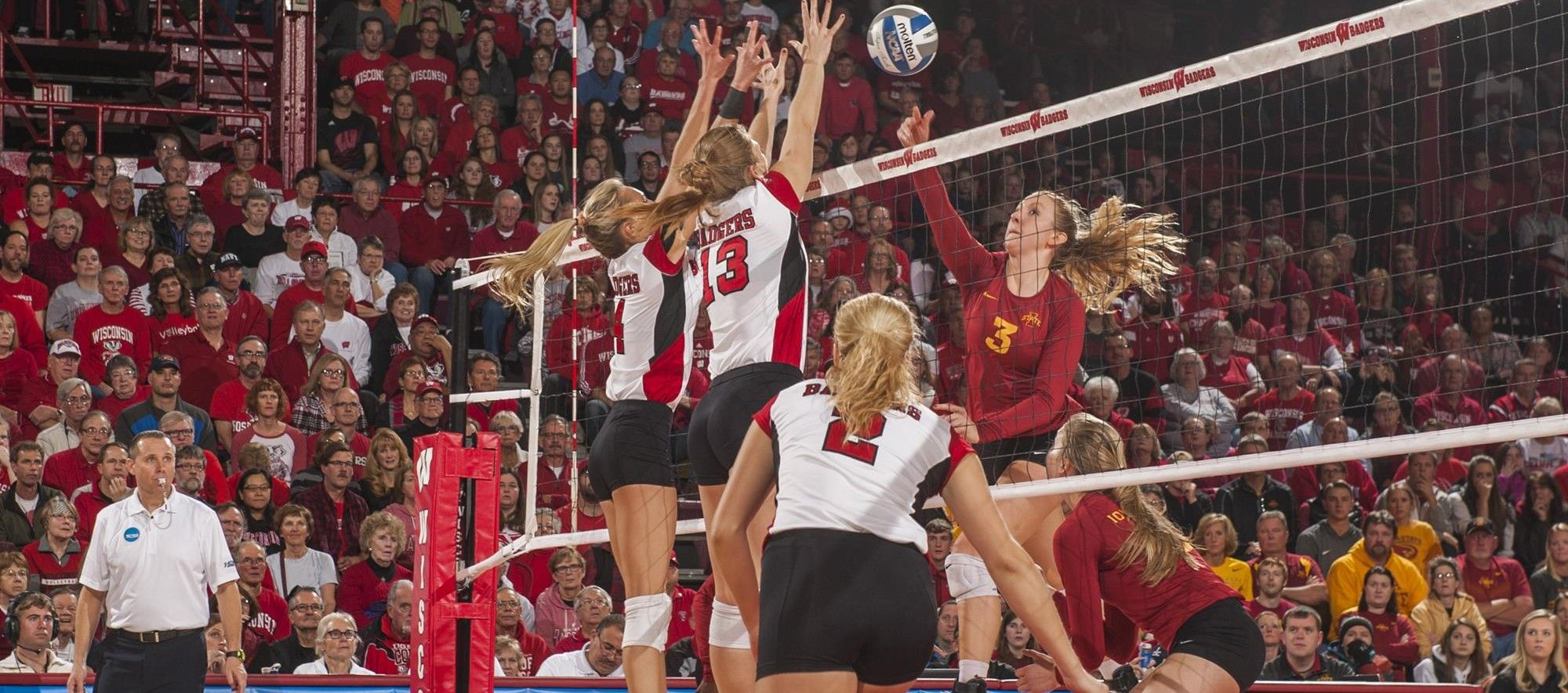 Badgers Sweep Their Way Into The Sweet Sixteen Wisconsin Badgers Female Volleyball Players Volleyball News
