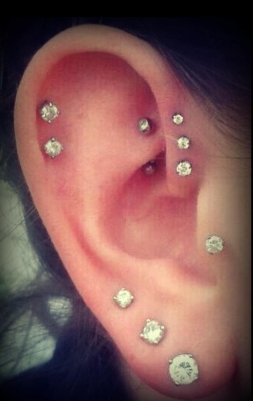 Nose piercing bump types  i just like lots of earrings  i loovvvee jewelryuc  Pinterest