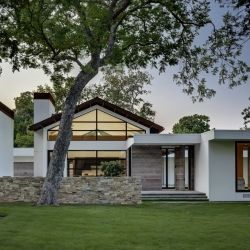 Lindhurst Residence by Wernerfield Architects.