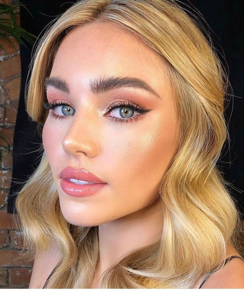 50 Natural Winter Makeup Ideas To Look Cute Green eyes