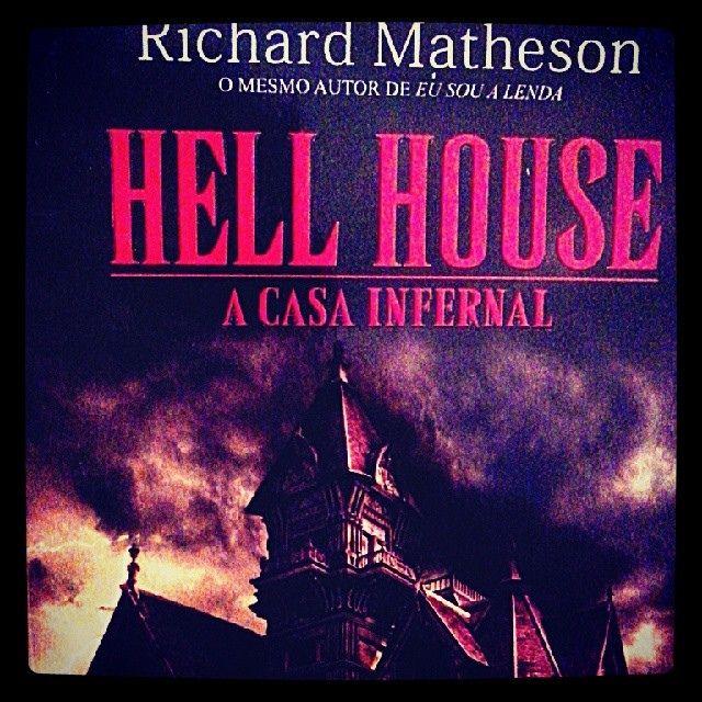 Livro escolhido da vez..... #HellHouse #ACasaInfernal (escritor: Richard Matheson) deve ser bom =D