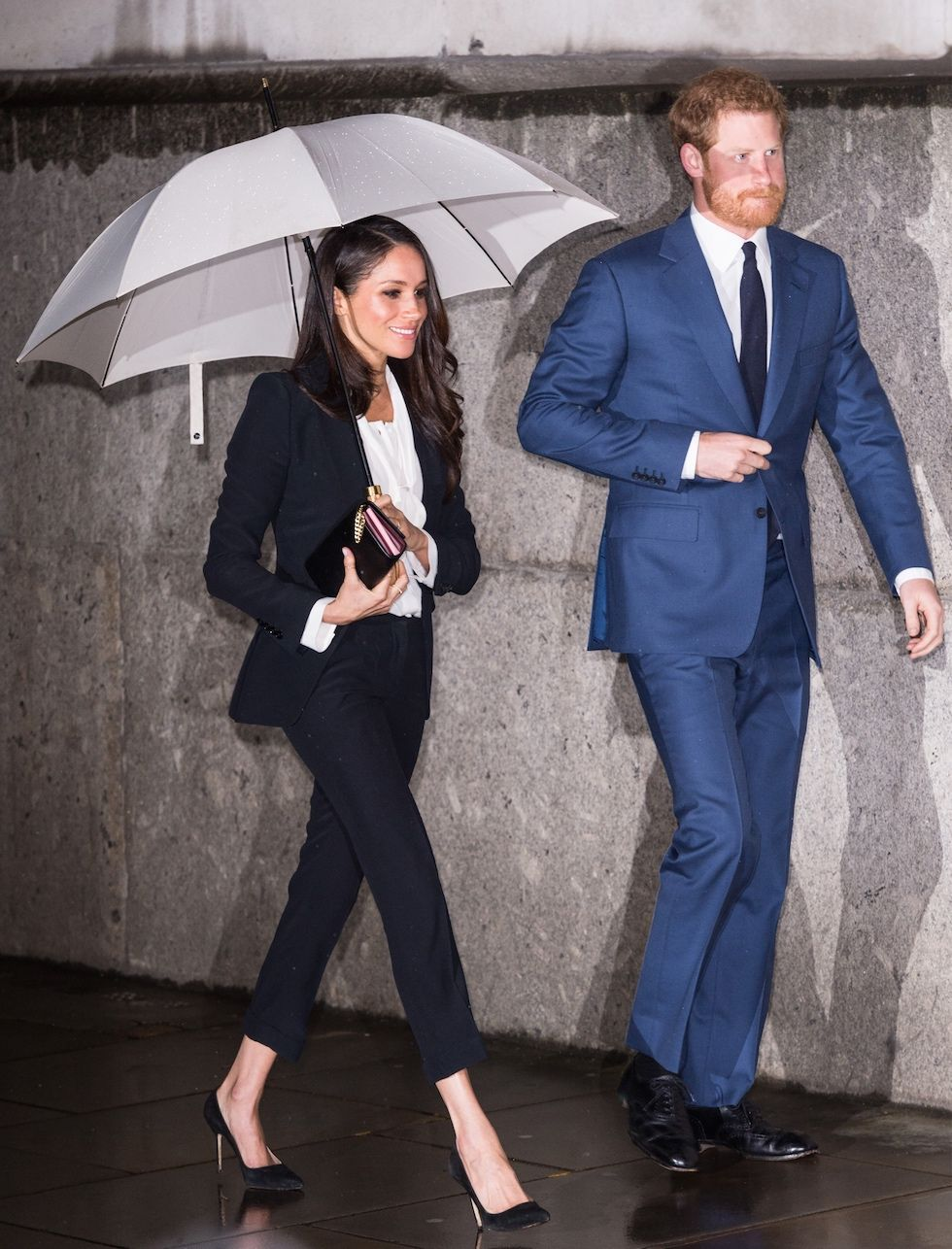 meghan markle wearing alexander mcqueen suit get her smart business outfit with similar items work suits for women work outfits women business women fashion meghan markle wearing alexander mcqueen