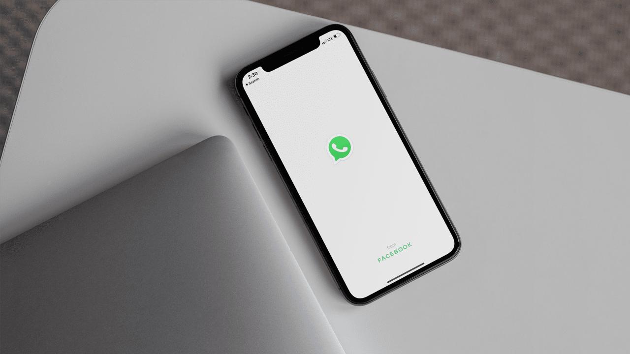 كيف تحمي واتس اب من الاختراق Iphone Phone Electronics