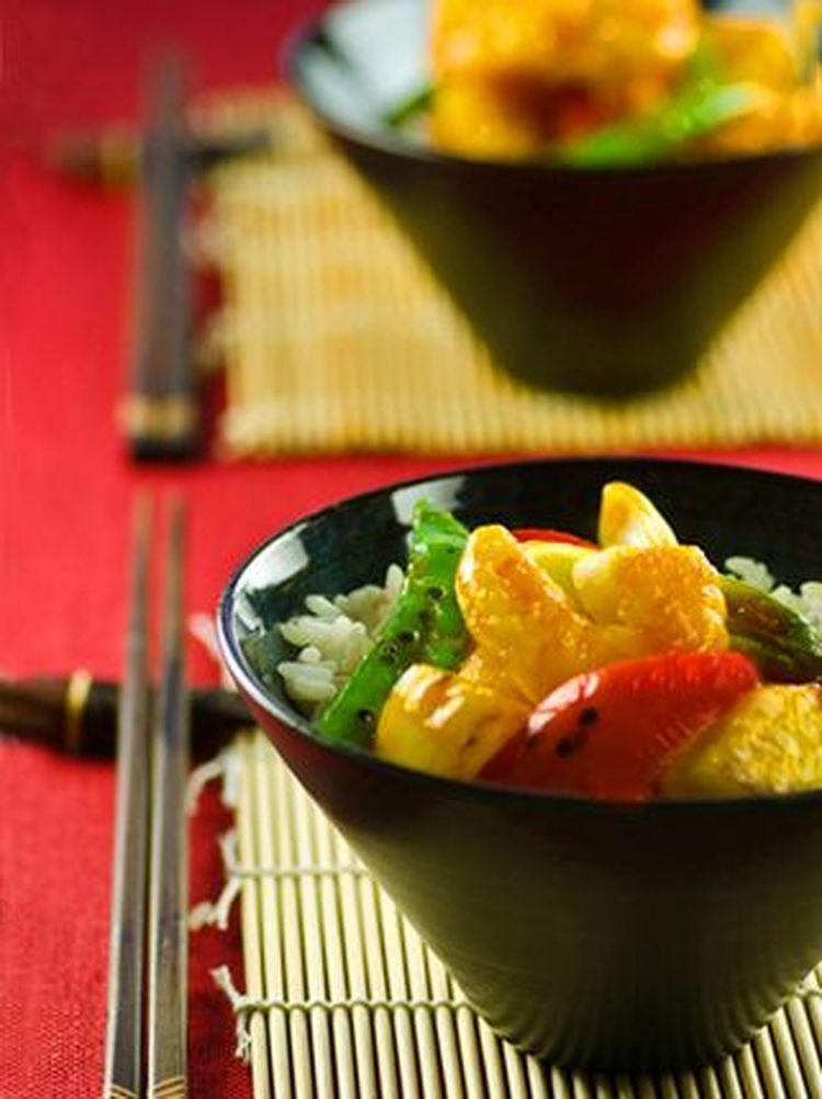 Easy Thai Sweet and Sour Shrimp Stir-Fry with Snow Peas