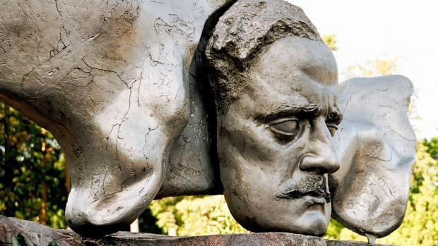 Jean Sibeliuksen päivä 8.12. - suomalaisen musiikin päivä.