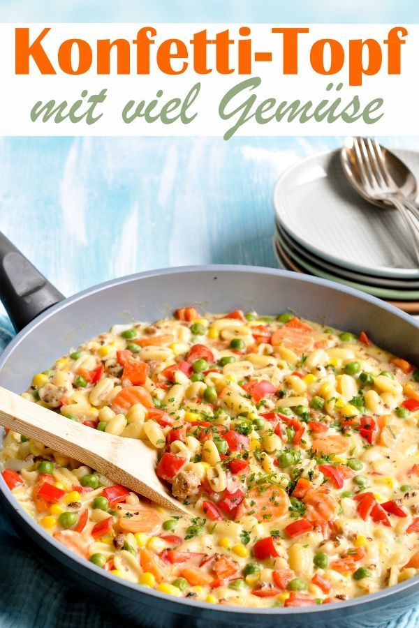 Konfetti-Topf. Mit Gemüse und Nudeln.
