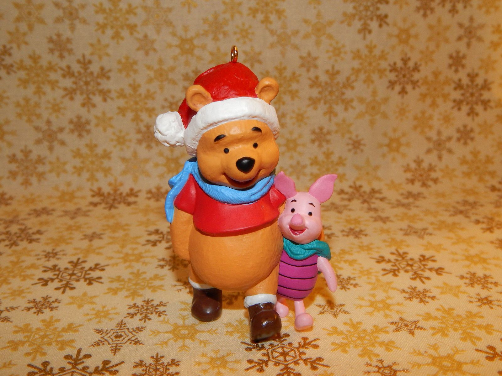 Hallmark Ornament 1996 Winnie The Pooh and Piglet 1019