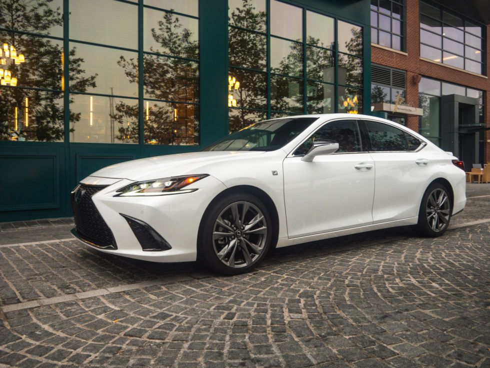 Its Not That Sporty But It Is Rather Goodthe 2019 Lexus Es350 F Sport Lexus Lexus Es Toyota Camry