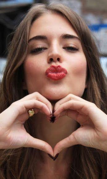Thank you beautiful girl in spanish