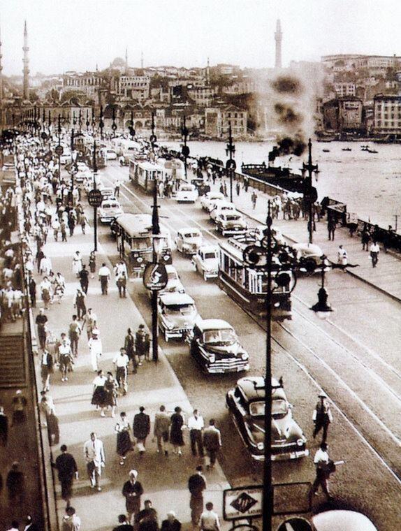 Köprü.  (Galata Körüsü)  (Fotoğraflar: hayalleme.com)1950s