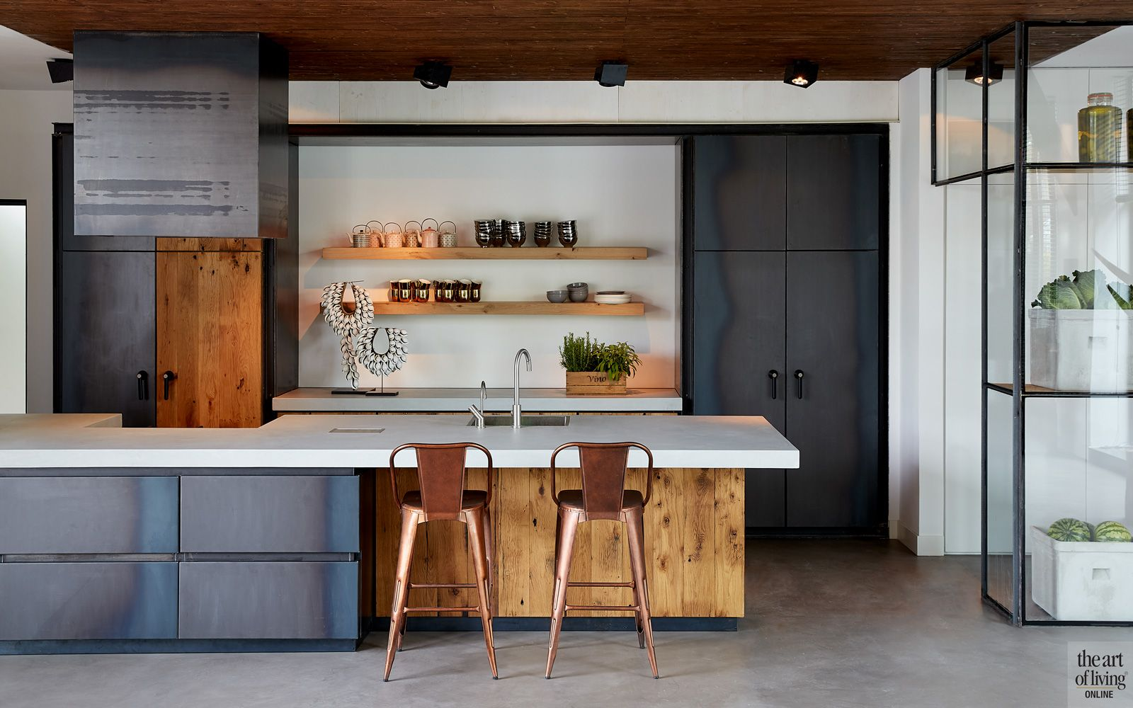 Industriele Keuken Industrial : Woning in kerk keuken theartofliving.eu pinterest kitchen