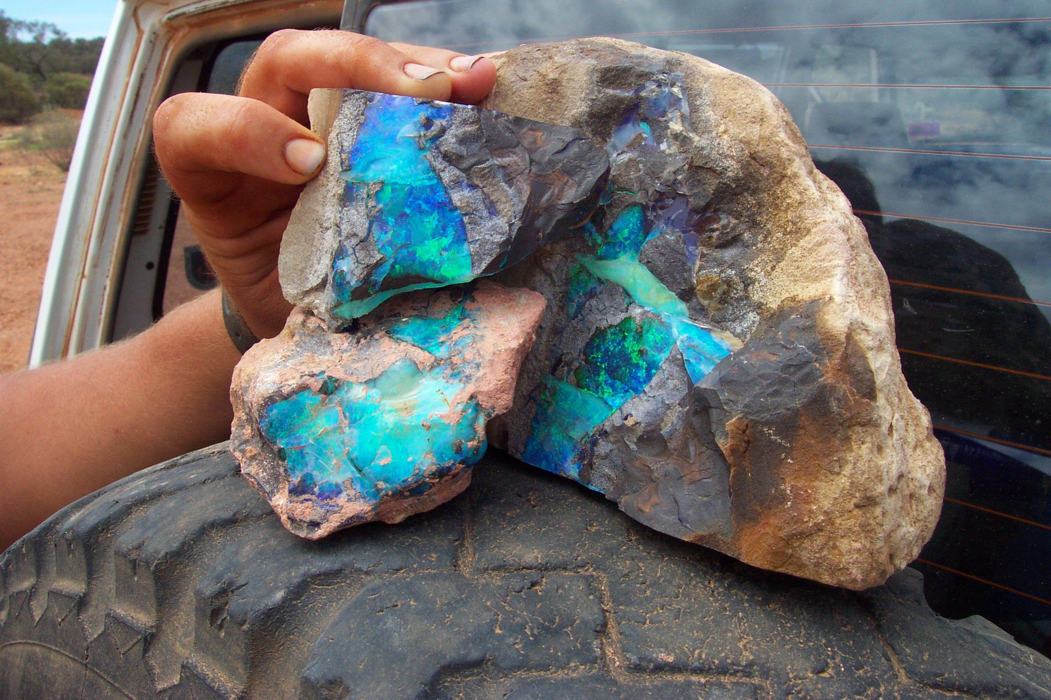 a bit of rough Boulder Opal from the Yappra field