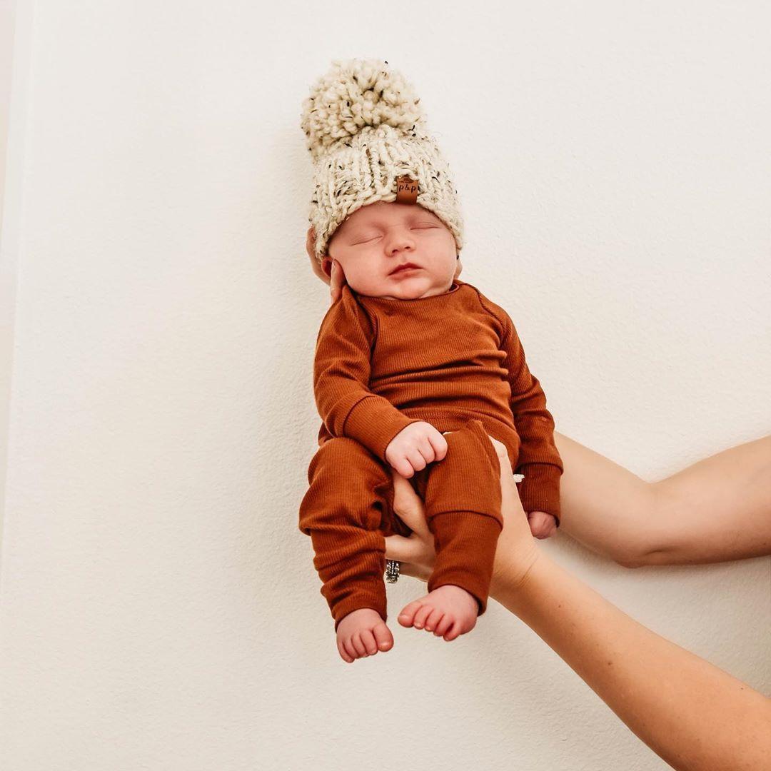 """Hallo, ich bin Marisa! auf Instagram: """"Ich schwöre, er wacht jeden Tag matschiger und lecker auf …   – Baby Life"""