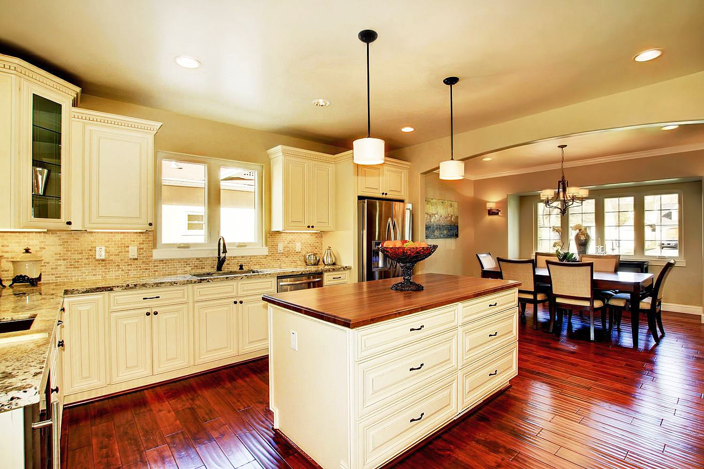 Rta Cream Maple Glaze Stylish Kitchen Cabinets Kitchen Cabinet Remodel Kitchen Base Cabinets