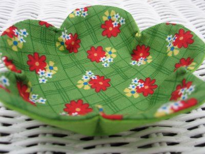 Microwave Bowl Potholder Pattern Green Fabric Blythe Dress