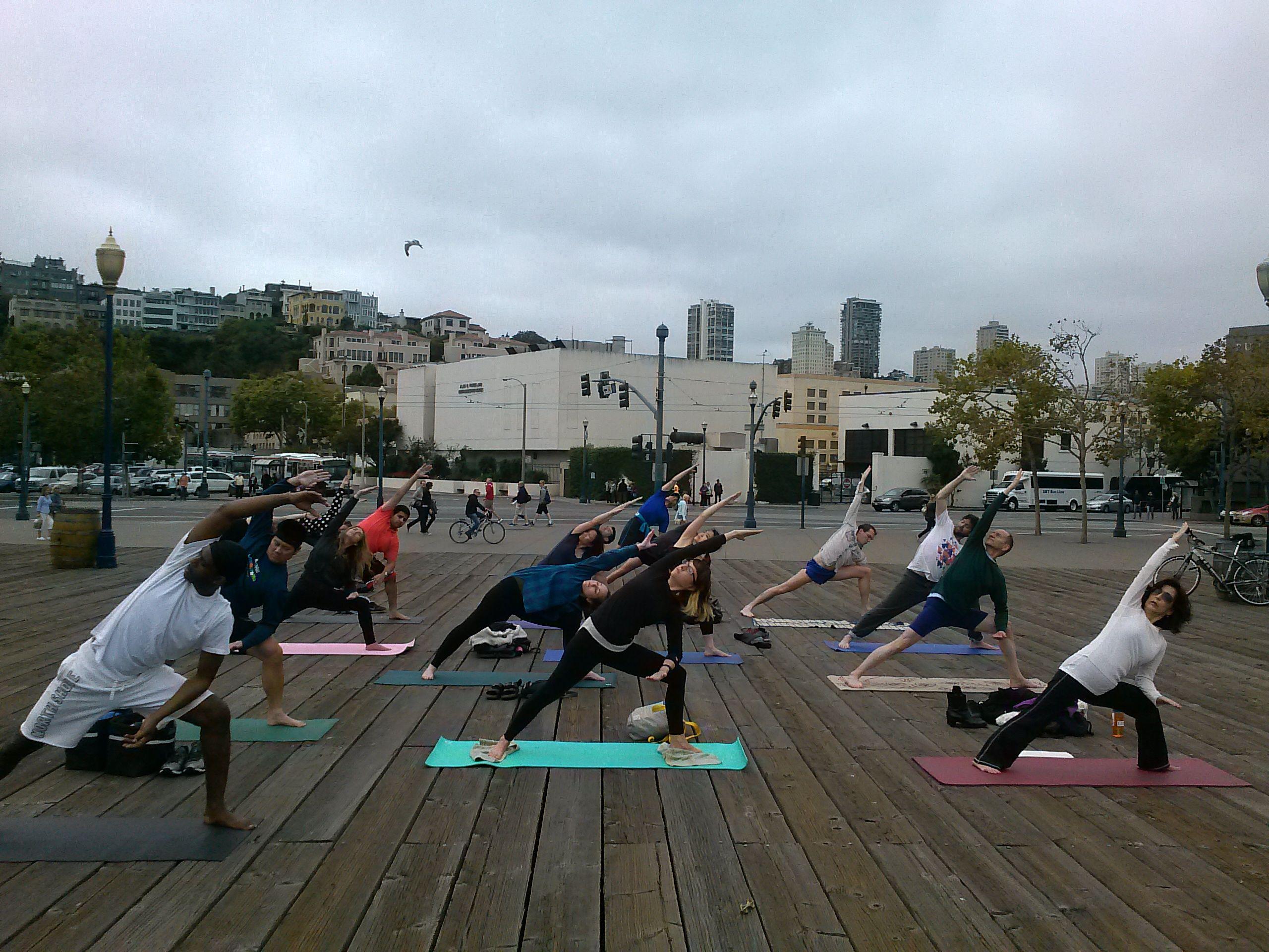Http Ynottony1 Blogspot Com 2014 07 Free Yoga Classes Outdoors