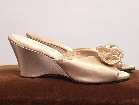 Elegant Bedroom Slippers White Satin Boudoir Indorables By Daniel Green 1950 S