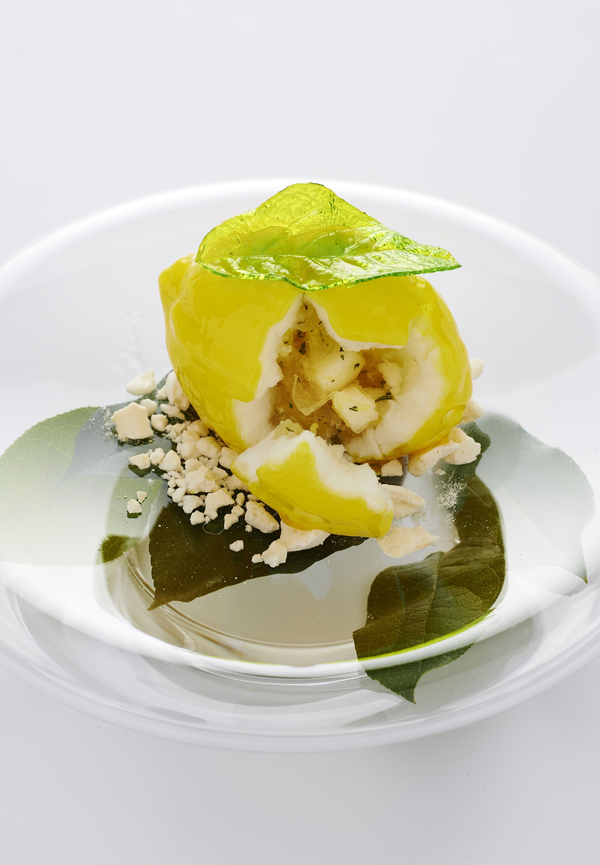 LEMON FROM MENTON, frosted with limoncello, with pear and preserved lemon. via #eletrotrend