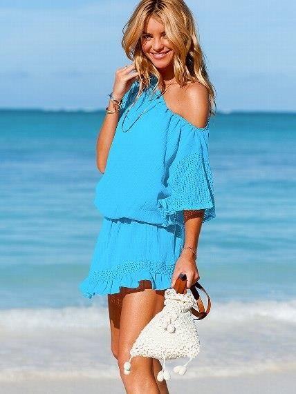 Голубое пляжное платье