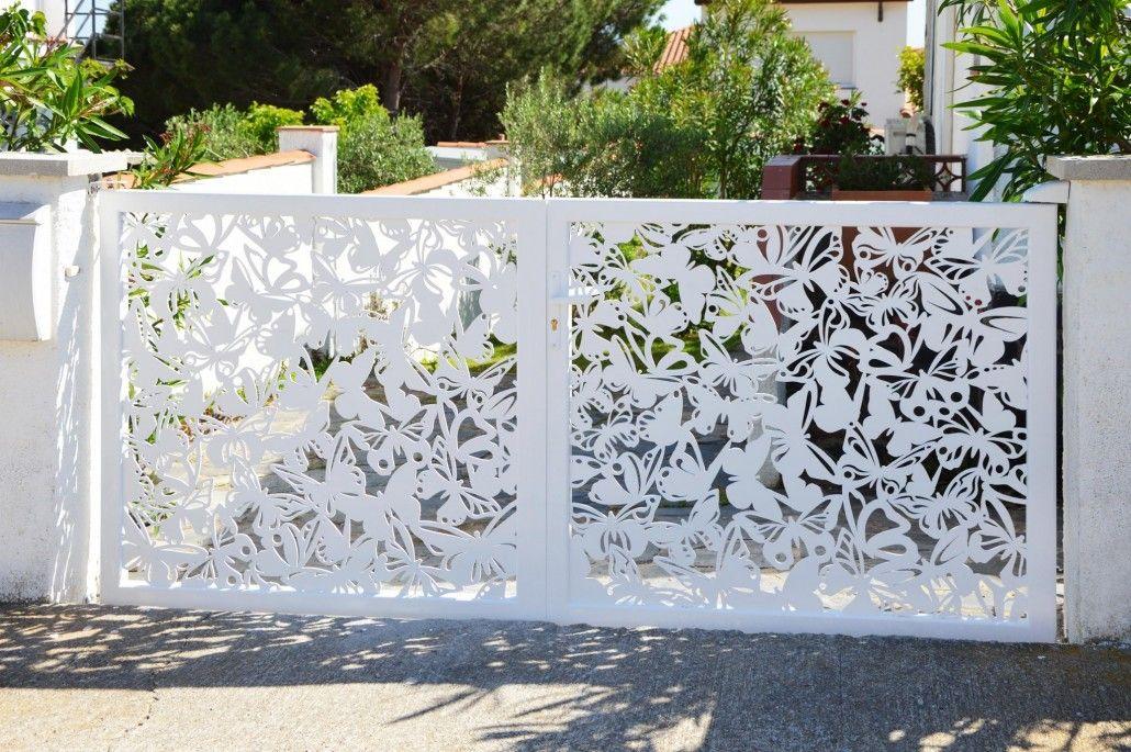 15 id es de portails battants modernes portail papillon. Black Bedroom Furniture Sets. Home Design Ideas